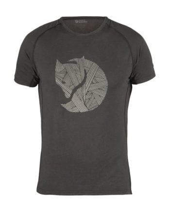 Fjällräven Abisko Trail T-Shirt Print DARK GREY kjøper du på SQOOP outdoor (SQOOP.no)