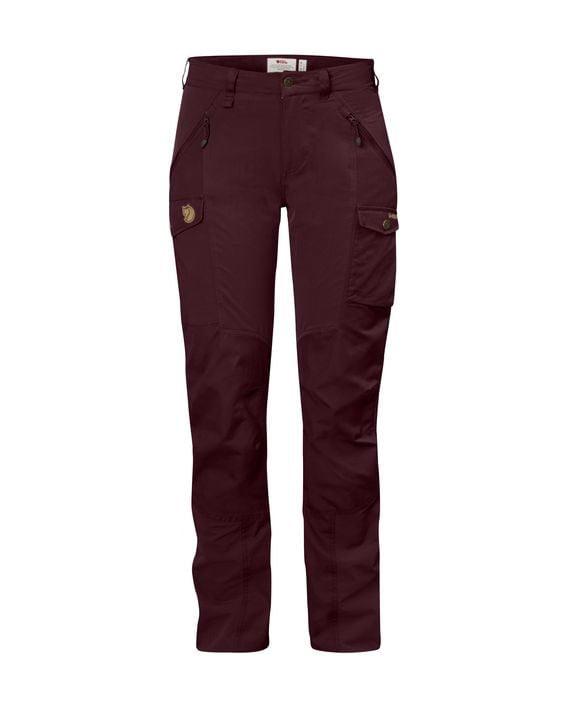 Fjällräven Nikka Curved Trousers W DARK GARNET kjøper du på SQOOP outdoor (SQOOP.no)