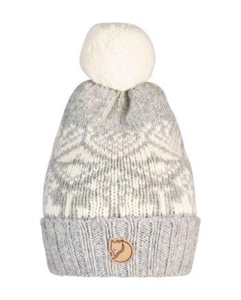Fjällräven Snow Ball Hat - lue lammeull FOG kjøper du på SQOOP outdoor (SQOOP.no)