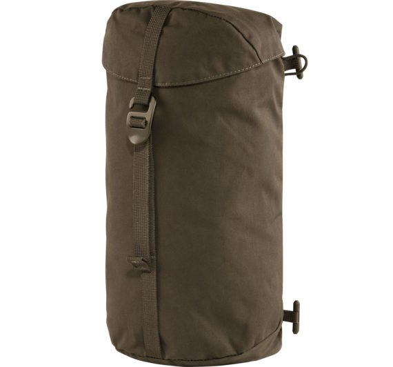 Fjällräven Singi Side Pocket DARK OLIVE kjøper du på SQOOP outdoor (SQOOP.no)